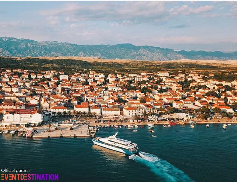 nave traghetto italia croazia cesenatico pesaro lussino novalja