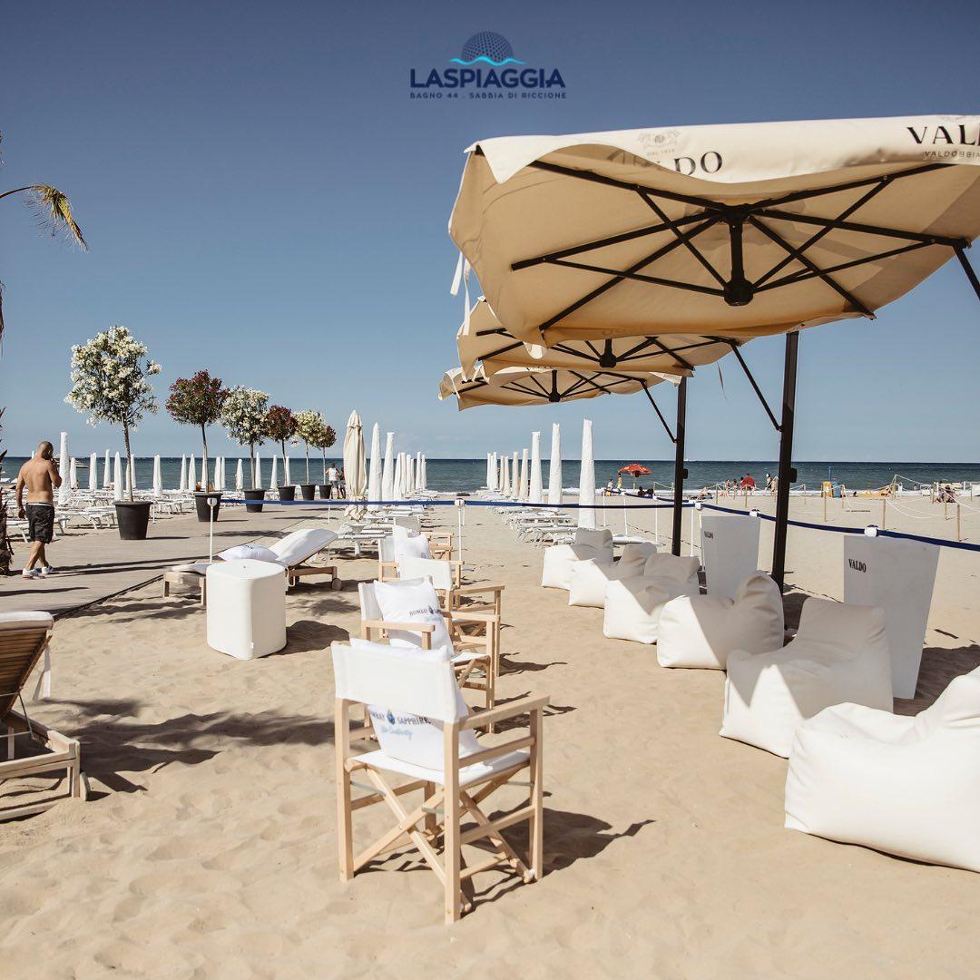 La spiaggia riccione ombrelloni